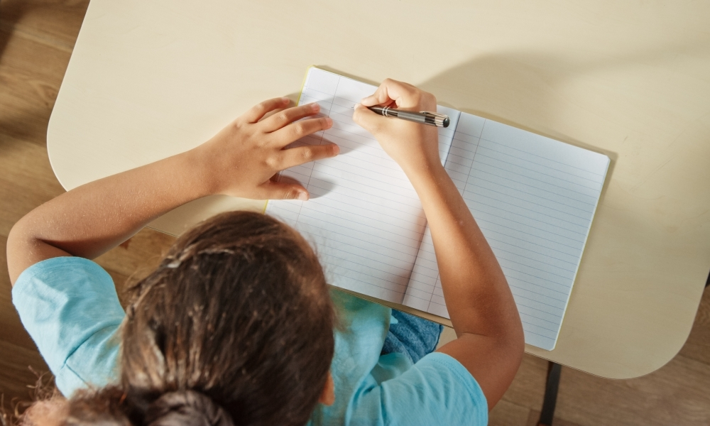 Assessing students' writing using comparative judgement