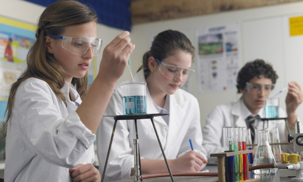 Researching education: Five further readings on science education