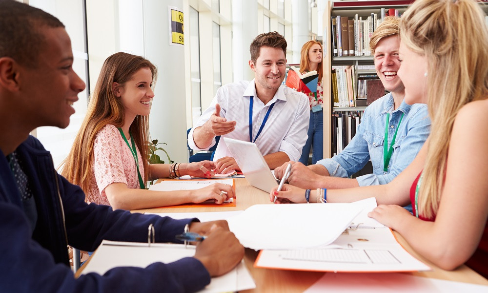 Professional learning: Implementing collaborative learning teams