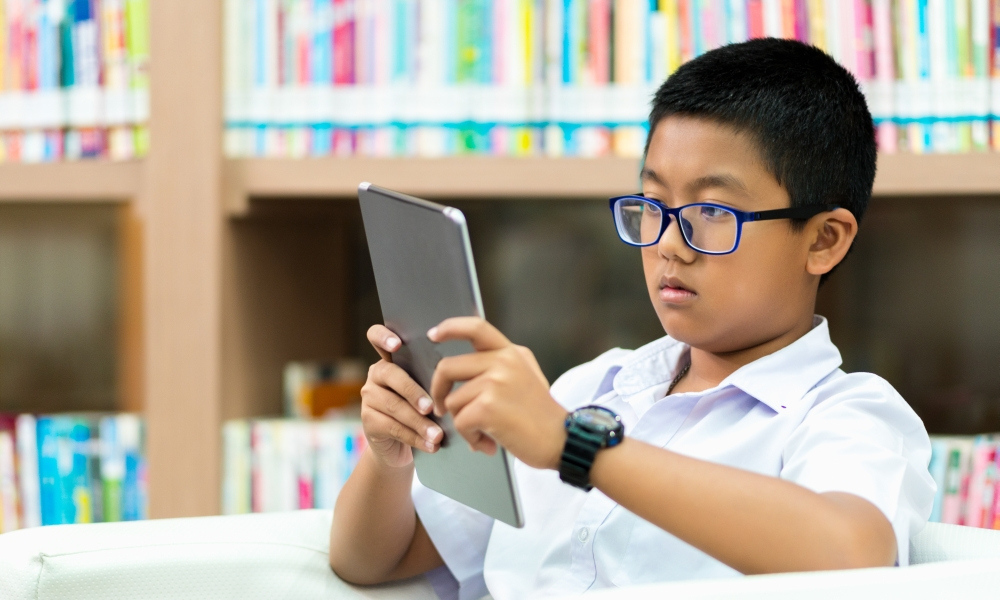 Students' attitudes to school and reading achievement