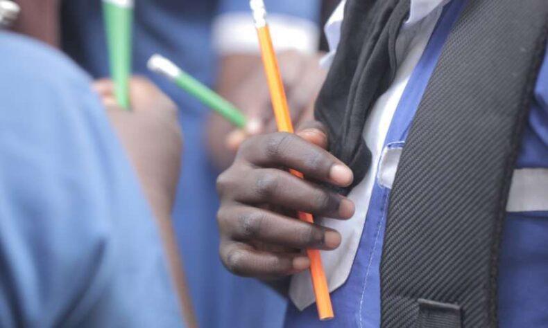 COVID-19: Pembelajaran jarak jauh masih tidak terjangkau oleh sepertiga anak sekolah