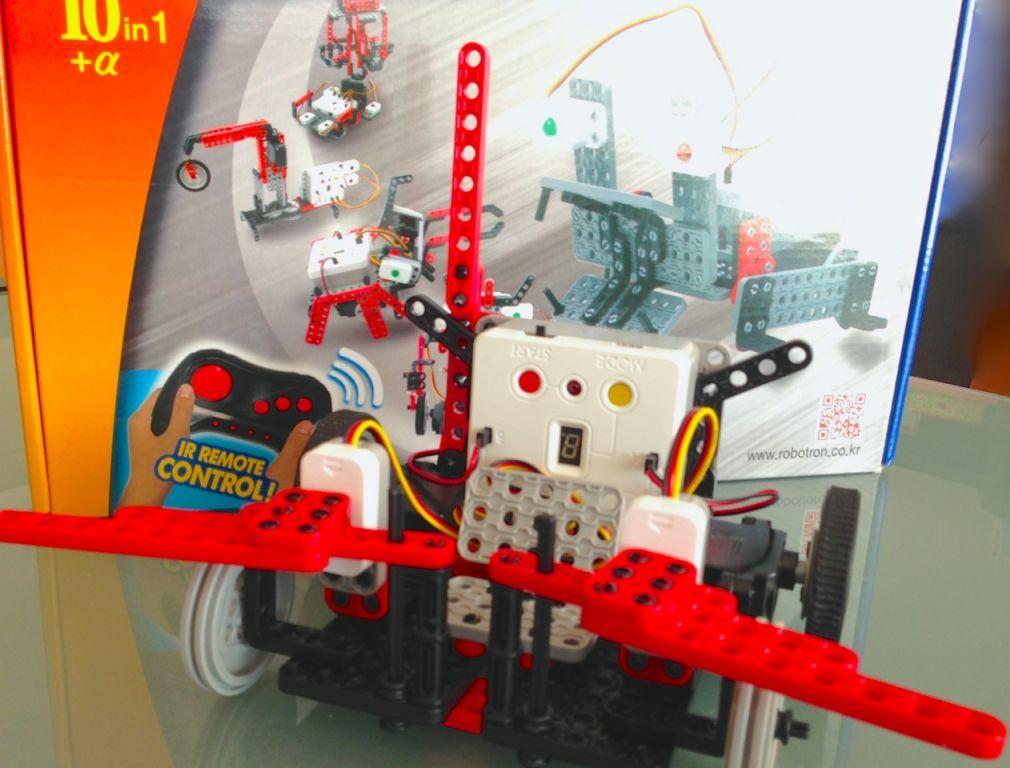 The RoboTami Smart Robot Construction kit.