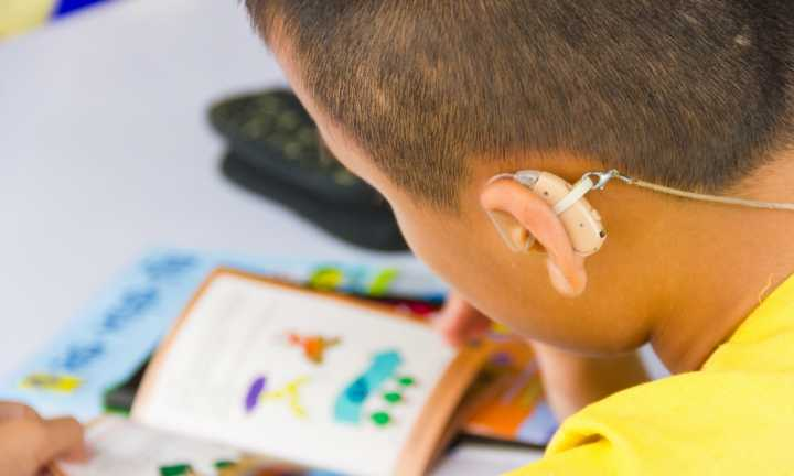 Helping deaf students to succeed