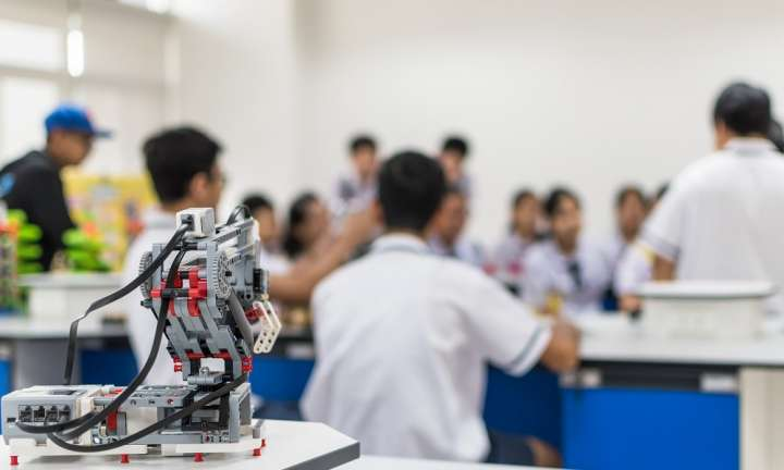 Using robots to assist teachers and improve student learning