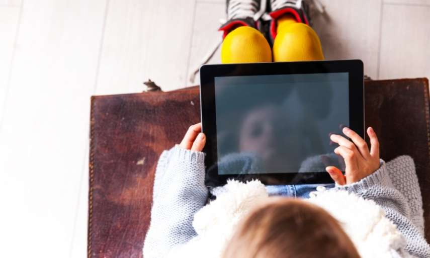 Using digital tablets in pre-school settings – what does the research say?