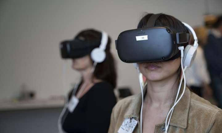 Virtual reality and social and emotional learning